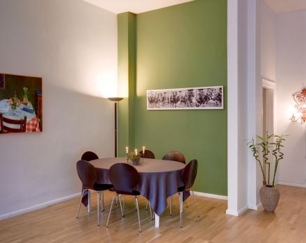 Großzügige, helle, moderne Räume